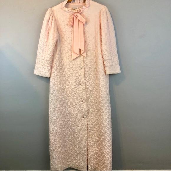 Vintage Intimates Sleepwear Vintage Ariel Quilted Robe Size Medium Poshmark